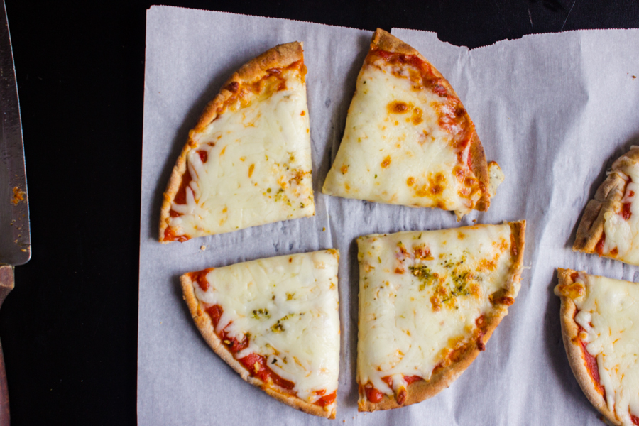 Quick and Easy Pita pizza- Just 3 minutes!