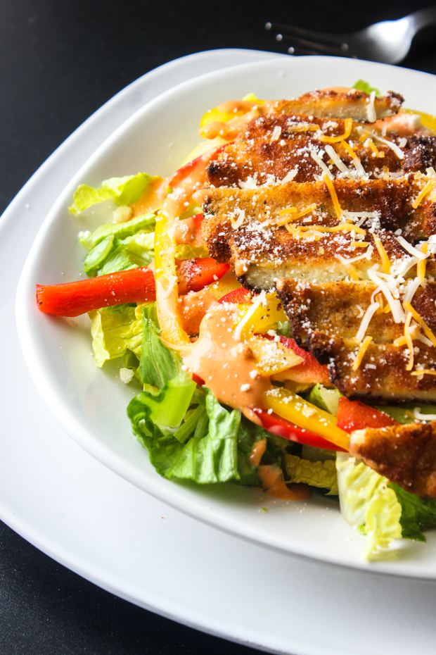 Crunchy Breaded Chicken Salad with Spicy Ranch Dressing