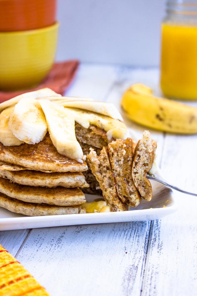 Healthy Low-fat Whole Wheat Banana Pancakes