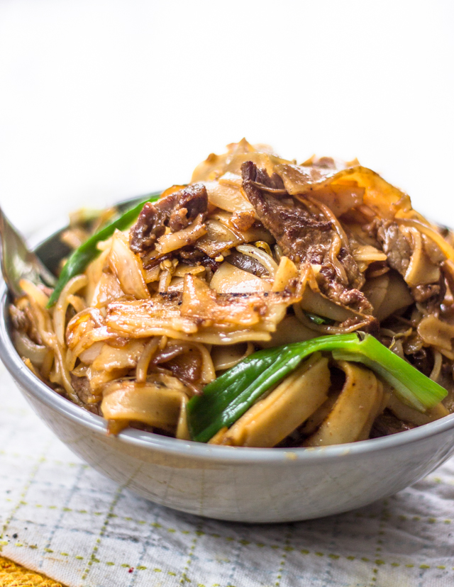 Beef Stir Fry With Flat Rice Noodles Gimme Delicious