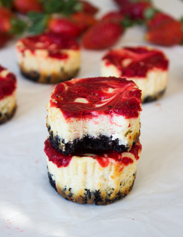 Mini Strawberry Swirl Cheesecakes | Gimme Delicious