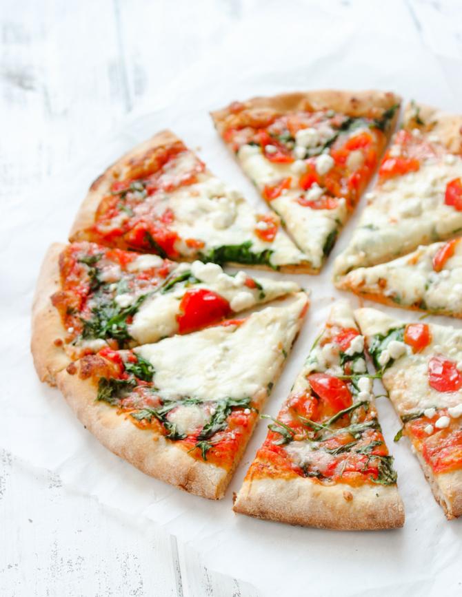 Mediterranean Arugula & Cherry Tomato pizza | Gimme Delicious