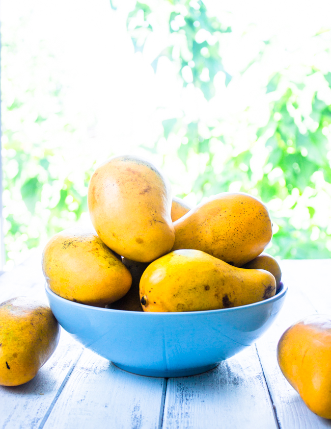 As for selecting and storing mangoes, here are a few tips: