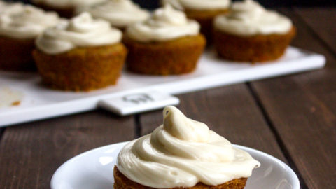 Easy Carrot Cupcakes with Cream Cheese Frosting