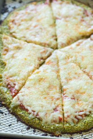 Broccoli Crust Pizza (Low-carb, Gluten free)