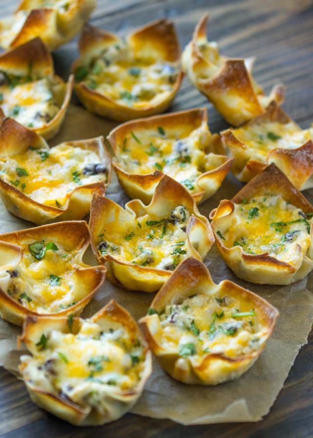 Crispy Southwestern Cream Cheese Wonton Cups | Gimme Delicious