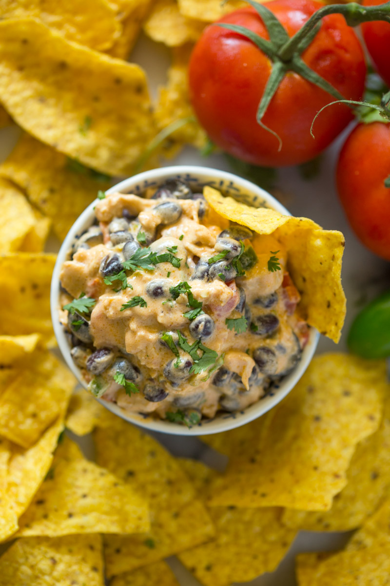 Slow Cooker Queso Chicken Dip