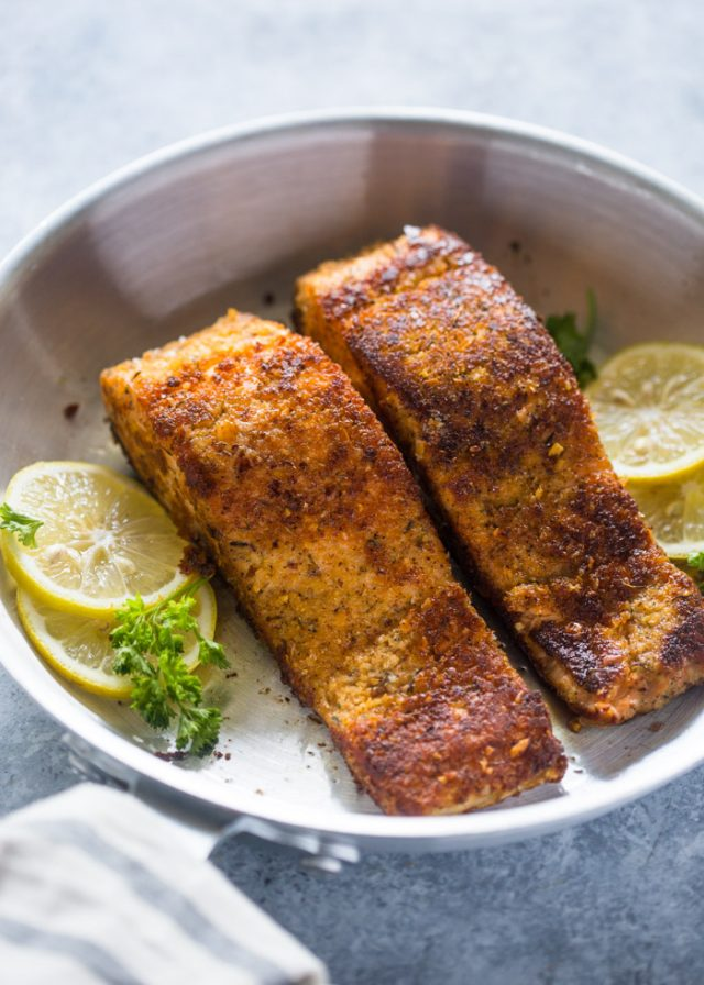 15 minute Crunchy Lemon Almond Crusted Salmon | Gimme Delicious