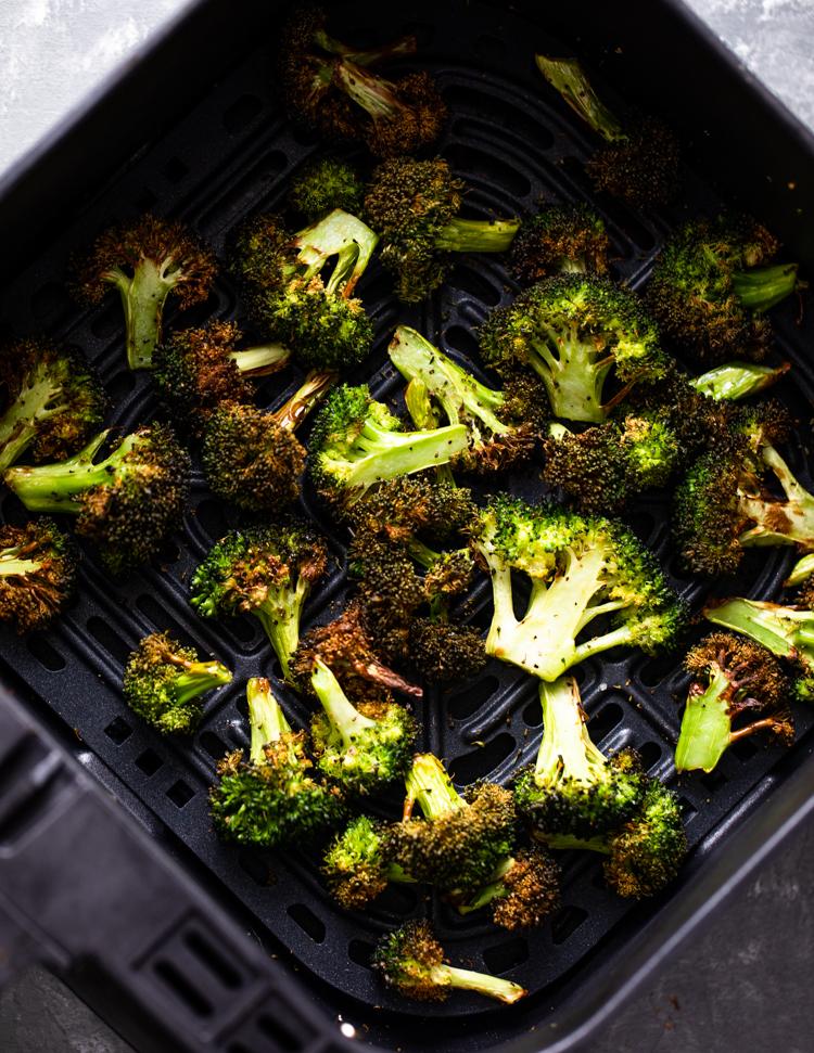 10 Minute Crispy Air Fryer Broccoli Gimme Delicious