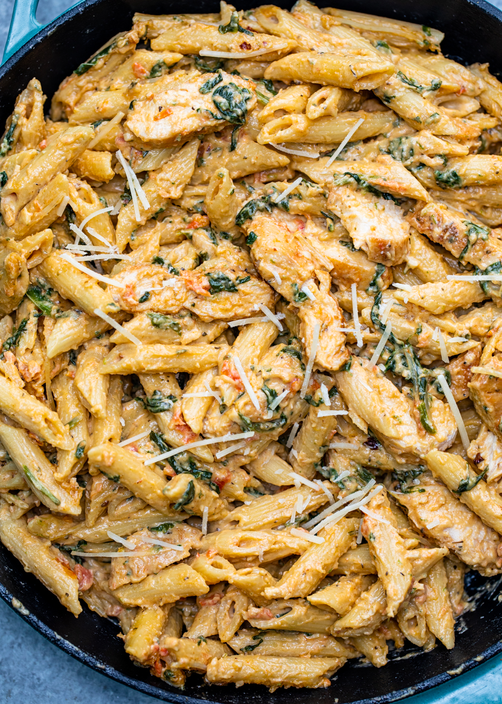 Creamy Garlic Chicken Pasta Gimme Delicious
